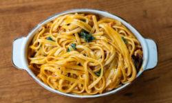 Картошка и макароны: врач развеяла мифы о «продуктах для толстых»