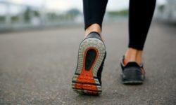 Названа правильная обувь при коленном остеоартрите